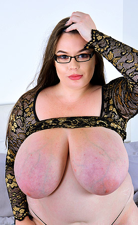 Georgina Gee Big boobs in bed