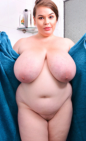 Georgina Gee Big-boobs-shower-show