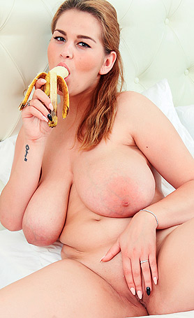 Erin Star Playing with banana