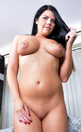 Kelly Steward Getting hot in livingroom
